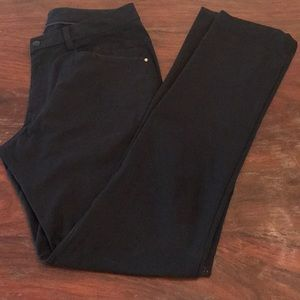 Men's Lululemon ABC pant.